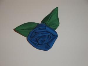 blue & green umbrella flower
